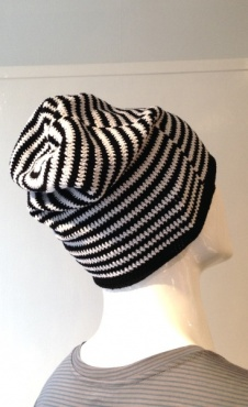 Beanie - Small Stripes