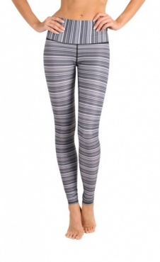 Yoga Leggings Approach the Barre